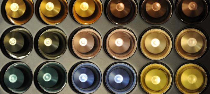 La Comunidad Valenciana prohibirá las cápsulas de café y los cubiertos de plástico en 2020