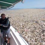 El 'Mar de Plástico' que Asfixia al Mundo
